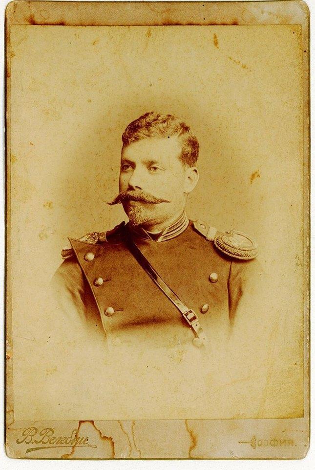 28 септември: Никола Писаров