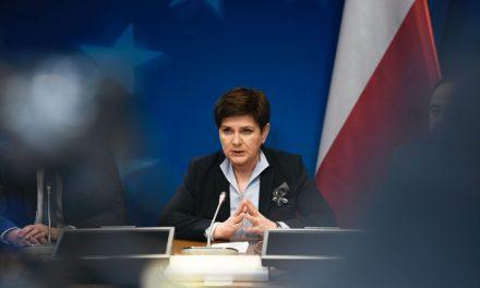 Защо еврократите не могат да понасят полската управляваща Партия на правото и справедливостта