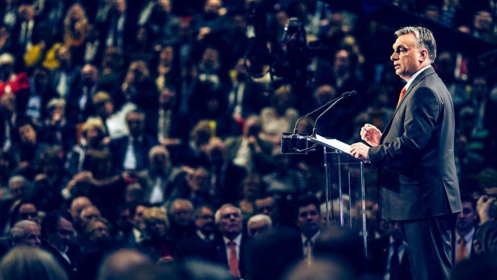 Защо народите на Централна и Източна Европа отхвърлят моралните уроци на либералите