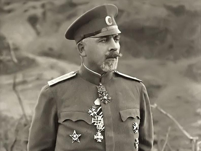 14 май: генерал Владимир Вазов