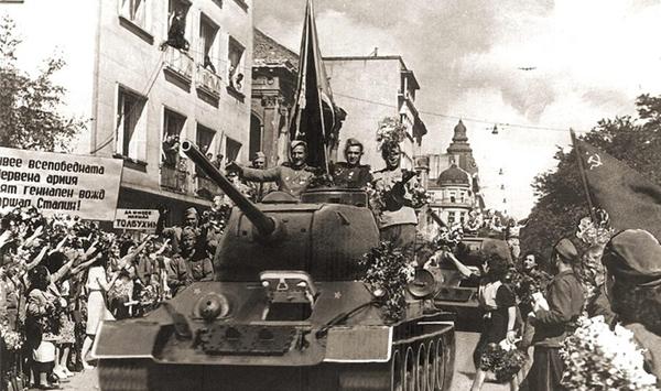 45 години фашизъм