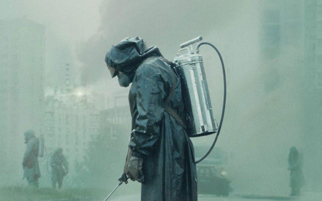"""Защо имаше само бели хора в """"Чернобил""""?"""