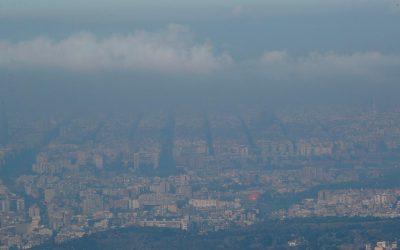 Въглеродните емисии и мръсният въздух – топла връзка с неочакван знак