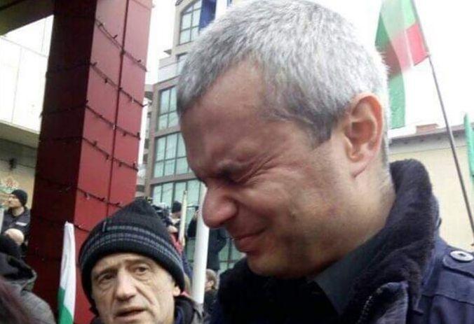 Вакуумът след Мая Манолова, сълзотворният газ на Копейкин и търговията с болка
