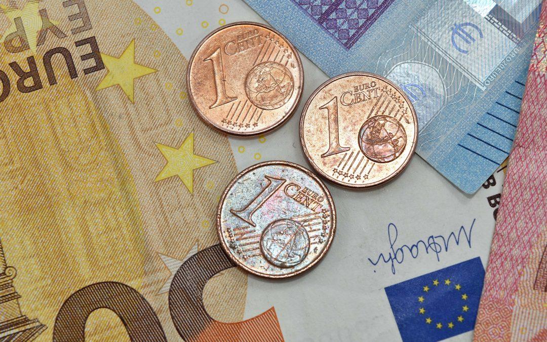 Приемане на еврото в България – предимства и недостатъци