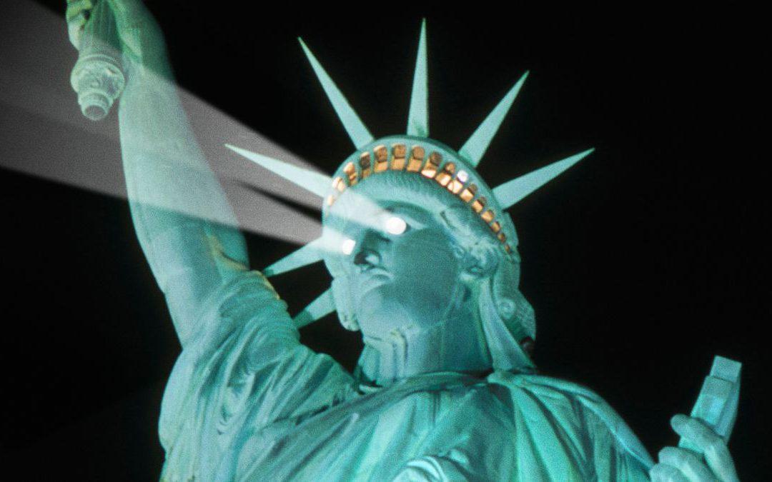 Кому свети Статуята на свободата?