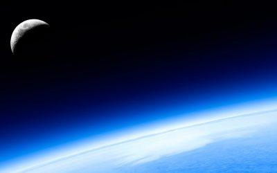 Озоновата дупка над Антарктика между 1985 и 2021 г.